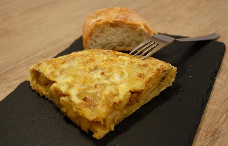 pintxo-tortilla-cebolla-patata-bilbao-alondegui