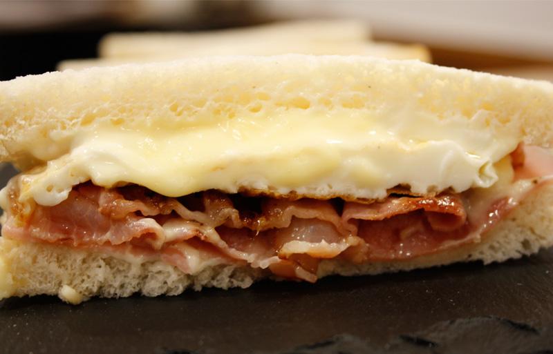 sandwich-bacon-alondegui-bilbao
