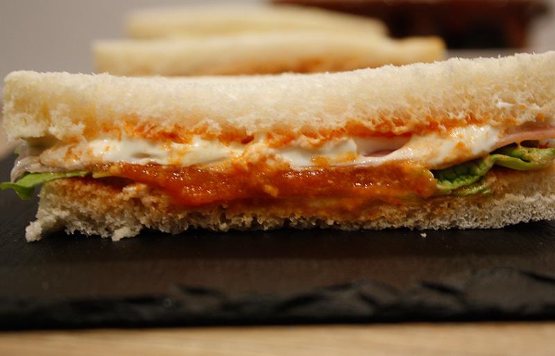 sandwich-tomate-lechuga-alondegui-bilbao